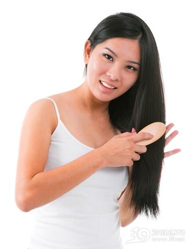 青年 女 梳头 头发 长发 梳子_17500993_xxl
