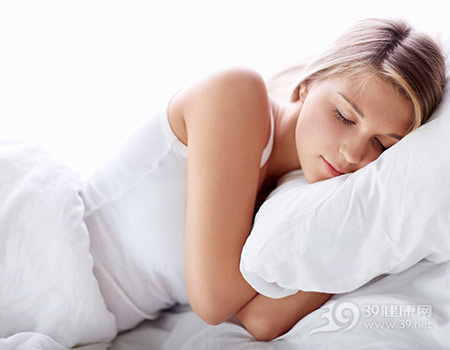 青年-女-睡觉-睡眠-床-枕头_15880564_xxl