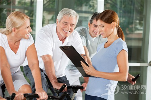 中老年人 男 女 运动 健身 教练_12955795_xxl