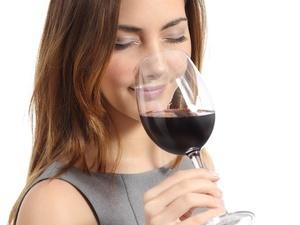适量喝红酒可预防胃溃疡