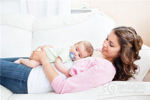 妈妈 孩子 婴儿 亲子 拥抱 睡觉_10244042_xxl