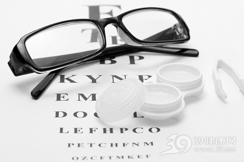 隐形眼镜-眼镜-视力-近视_25706938_xxl