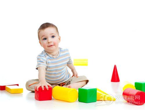 小儿听力障碍如何早发现?