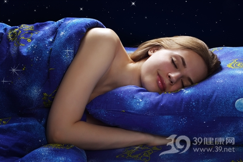 青年 女 睡觉 睡眠 床铺 床上用品 被子 针头_14553979_xxl