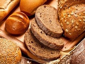 早上吃全麦包可以防心衰