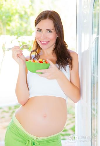 青年 女 孕妇 怀孕 沙拉 蔬菜 水果_18636073_xxl