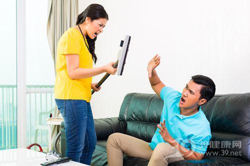 夫妻 情侣 家务 争吵 吸尘器_28245587_xxl