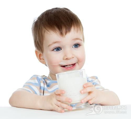 孩子 男 牛奶 喝牛奶_18202130_xxl