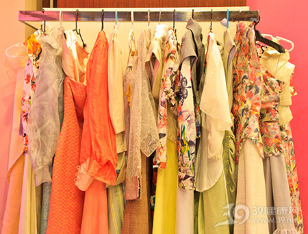 衣服-裙子-女装-衣架_13777088_xxl