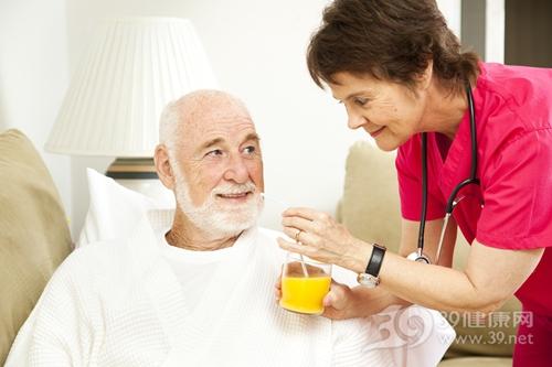 中老年 男 护理 养老 护工 橙汁_7701120_xxl