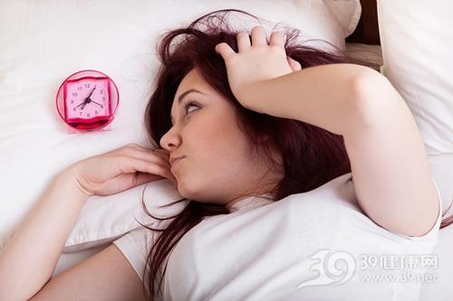 青年 女 睡觉 失眠 床 闹钟 赖床_29804665_xxl