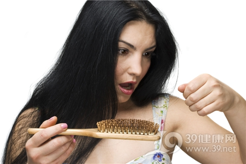 产后脱发,头发,梳子