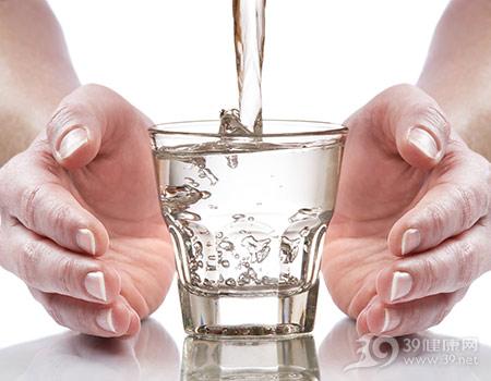 水-水杯-玻璃杯-喝水-水柱_4552541_xxl