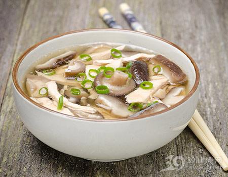 汤-鸡汤-蘑菇-葱_21642595_xxl