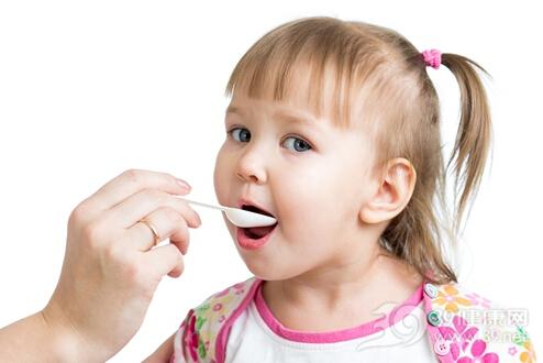 孩子发烧千万别吃这些退烧药
