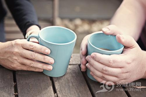 冬天 寒冷 温暖 保暖 杯子 热饮 饮料 饮品 喝东西_18518656_xl