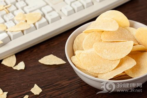 薯片 零食 键盘