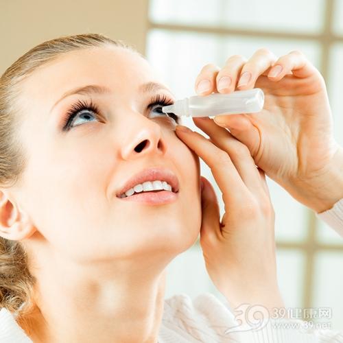 青年 女 眼睛 眼藥水_14937192_xl