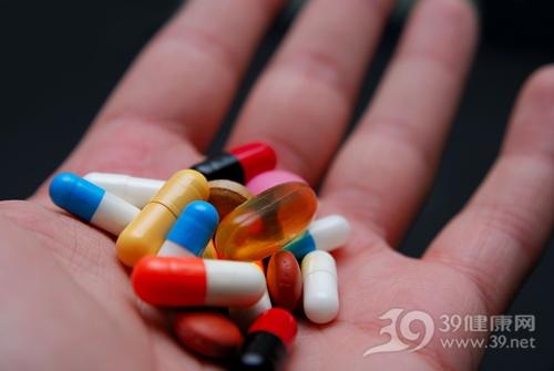 药品 药物 药片 胶囊 手_5310186_xxl