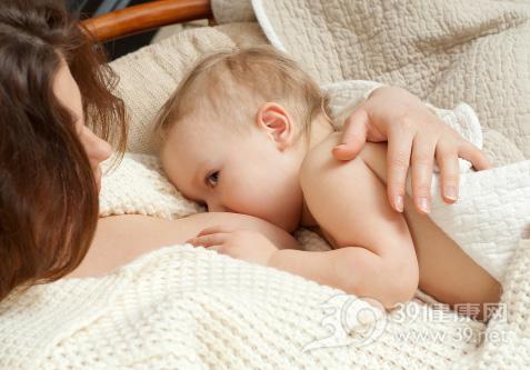 产后没下奶加点奶粉?母乳喂养小心这几个误区