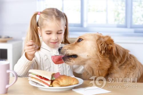 家里养只狗可降低孩子哮喘风险