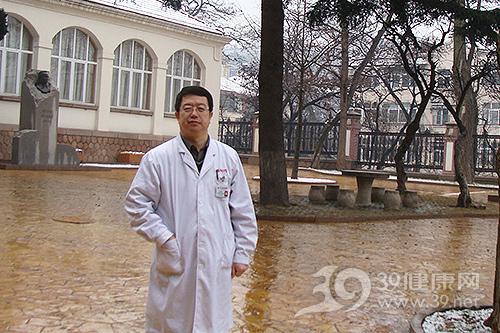 王吉波:一手开创青岛风湿免疫工作