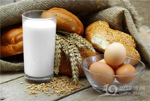 牛奶 �u蛋 面包_8410390_xxl
