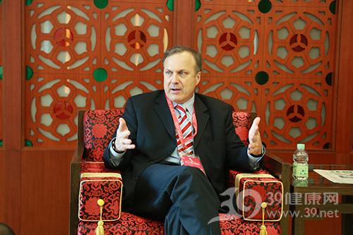 Philip-R.-Schauer教授在接受39健康网采访