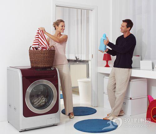 青年 男 女 洗衣机 洗衣服 洗衣液 家务 家居_27916260_xxl