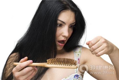 脱发 头发 梳子