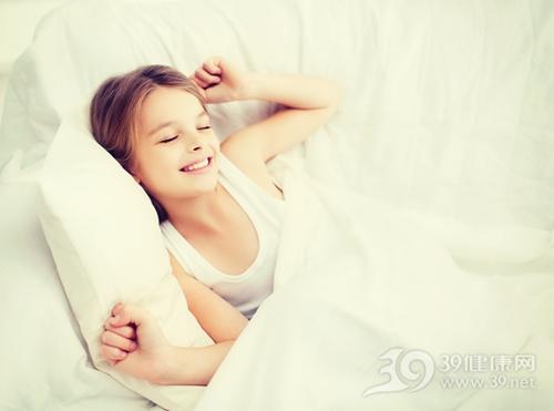 孩子 女 睡觉 床 起床_30907771_xl
