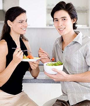 女性吃火锅怕胖 吃法有讲究