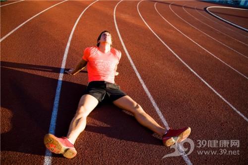 青年 男 运动 跑道 跑步 休息_15121017_xxl