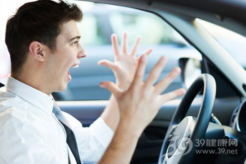 青年 男 开车 汽车 叫喊 压力 大叫 方向盘 手_23377214_xxl