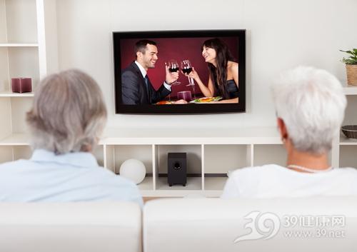 中老年 男女 看电视 家居_15493462_xxl