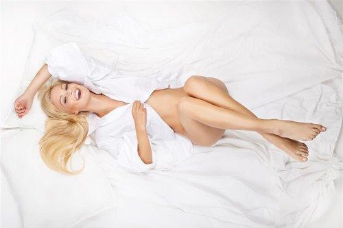 女人裸睡该不该穿内裤