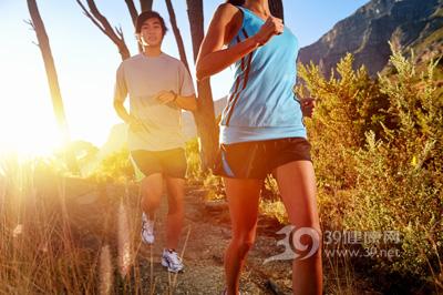 有氧运动和无氧运动的区别两种运动中哪一种更能减肥