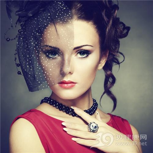 如何改善大下巴 大下巴怎么办青年 女 化妆 美容_16548755_xxl