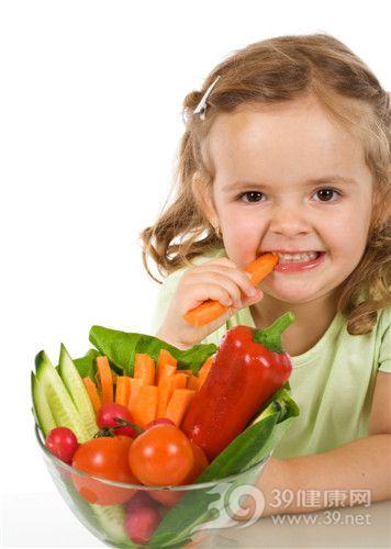 孩子 女 吃东西 胡萝卜 西红柿 青椒 蔬菜_4384356_xl