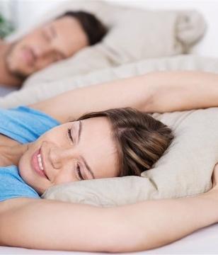 经常落枕是怎么回事?