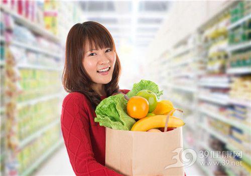 青年 女 购物 超市 水果 蔬菜 橙子 苹果 香蕉 生菜_19590230_xxl