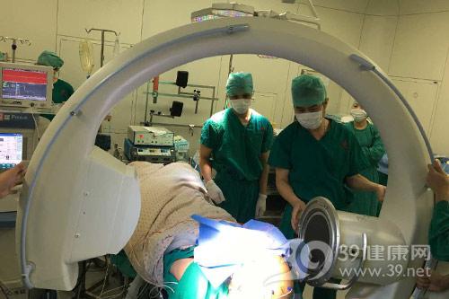 内地首例全麻电生理监测下dbs植入手术 大大减轻帕金森手术痛苦图片
