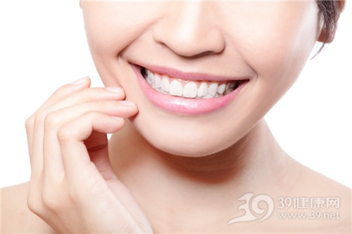 青年 女 牙齿 笑容 牙齿美白_19364134_xxl