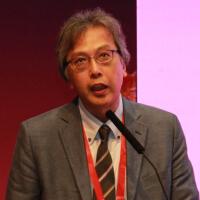 山野泰穗教授