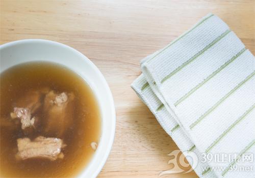 枸杞排骨汤