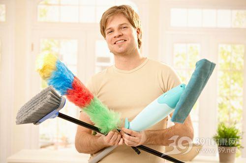 青年 男 家务 清洁 大扫除 扫把_7249354_xxl