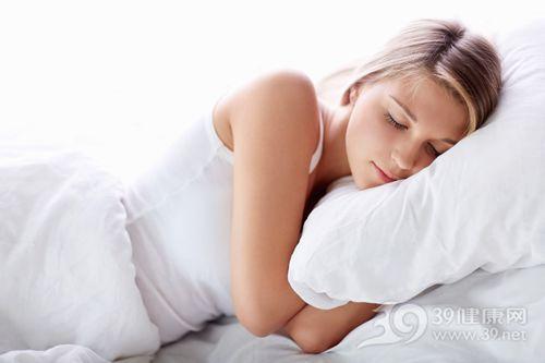 青年 女 睡觉 睡眠 床 枕头_15880564_xxl