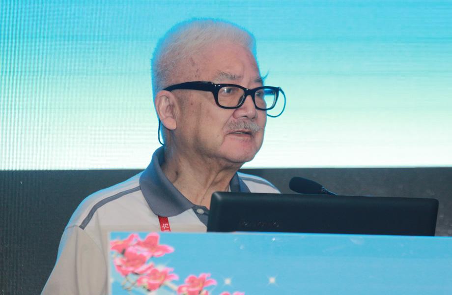 中国科学院院士姚开泰教授在论坛上主讲。