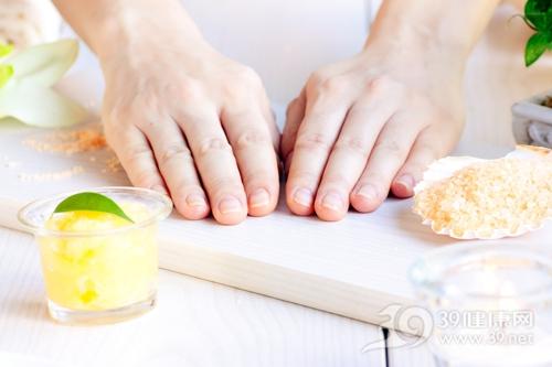 手指甲到底有几个月牙才正常?
