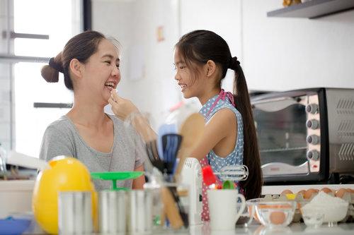 李碧菁与黄春燕女生之间的悄悄话